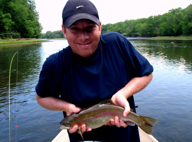 Fly fishing for trophy rainbow trout in Tennessee on the Holston River