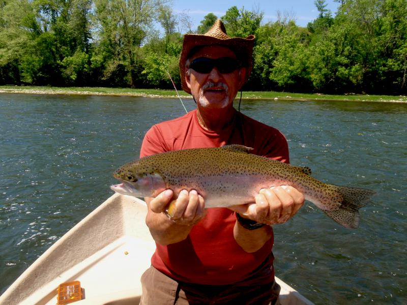Trophy rainbow trout with east tennessee fly fishing guide Rocky Cox of RTA